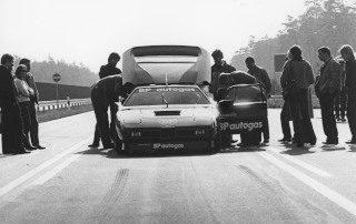 BMW Group Archiv: Vorbereitung für die Weltrekordfahrt mit dem BP Autogas BMW M1