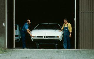 BMW M1 - Produktion, Abtransport nach der Endkontrolle bei ITAL DESIGN